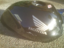 Honda bike fuel tank before small_53973