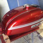 Suzuki GT750 Fuel tank respray Restoration - image 7