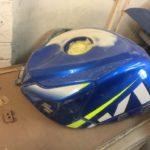 Suzuki GSXR750 fuel tank repair and respray Restoration - image 16